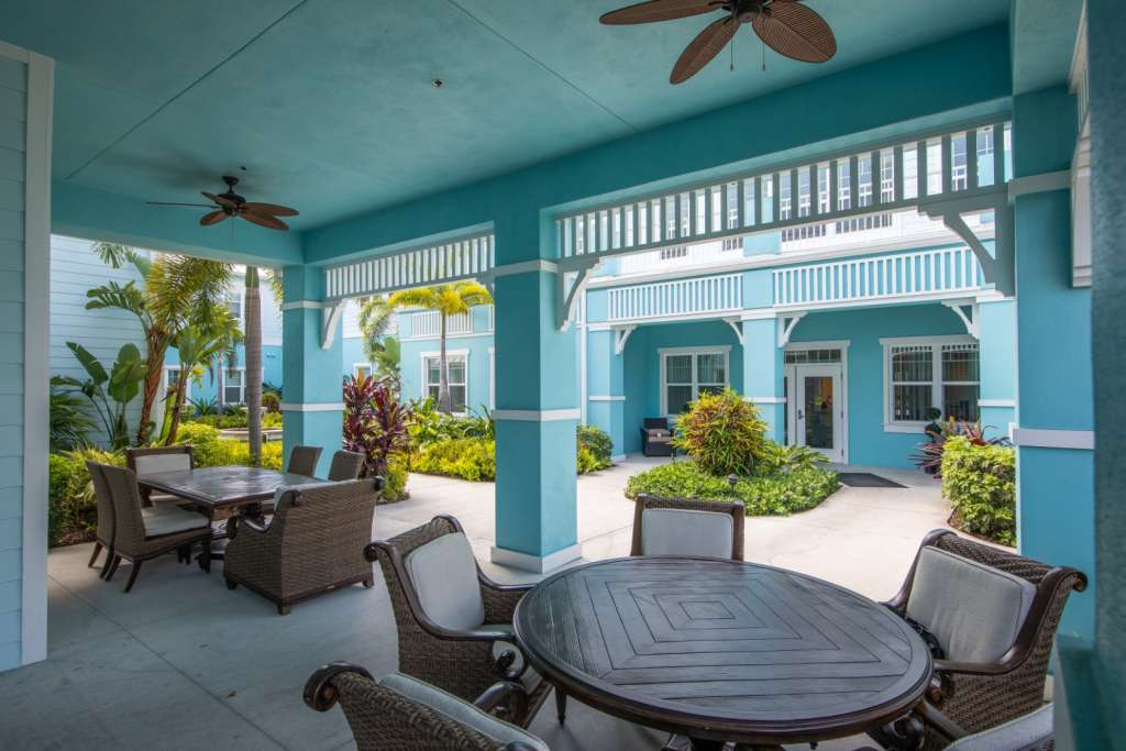 Grand Oaks of Jensen Beach Courtyard
